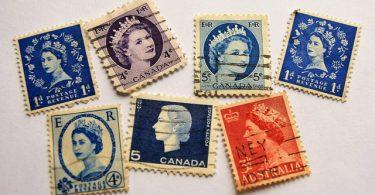 Manipuler les timbres en toute sécurité avec une pince à timbres